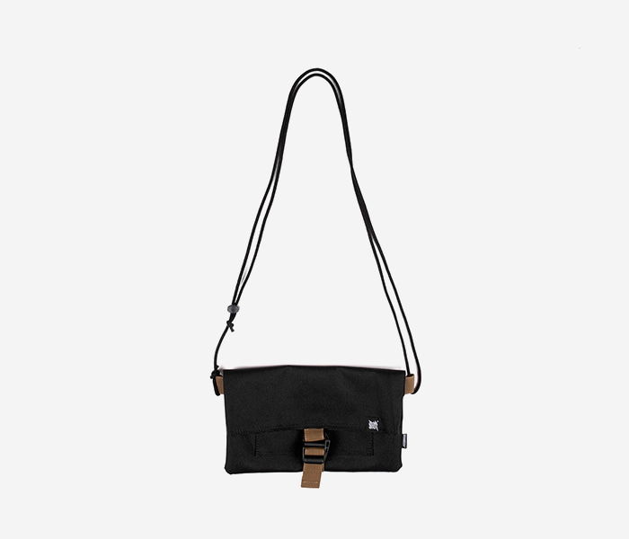 NOMAD SACOCHE BAG - BLACK brownbreath