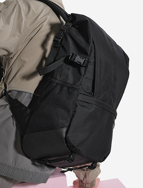 STRIVE ROLLTOP BACKPACK - BLACK brownbreath