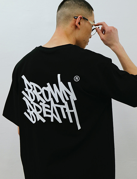 TAG 20 TEE - BLACK brownbreath